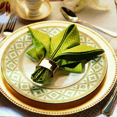 napkin folding fleur de lis napkin. Black Bedroom Furniture Sets. Home Design Ideas