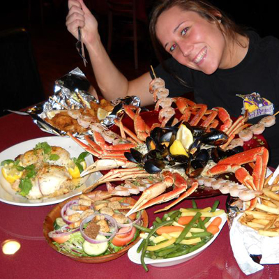 Restaurant eating challenges eating contests at restaurants for Davy jones locker fishing