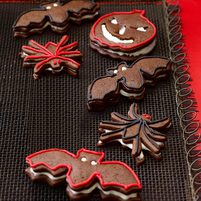 20 easy halloween cookies easy recipes ideas for halloween cookies delishcom - Halloween Gingerbread Cookies