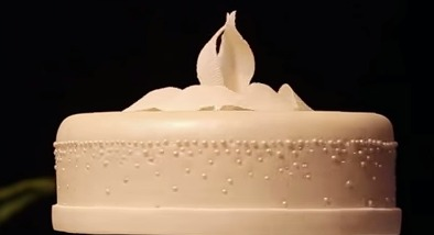 floating wedding cake you need to see this magical levitating wedding cake 14320