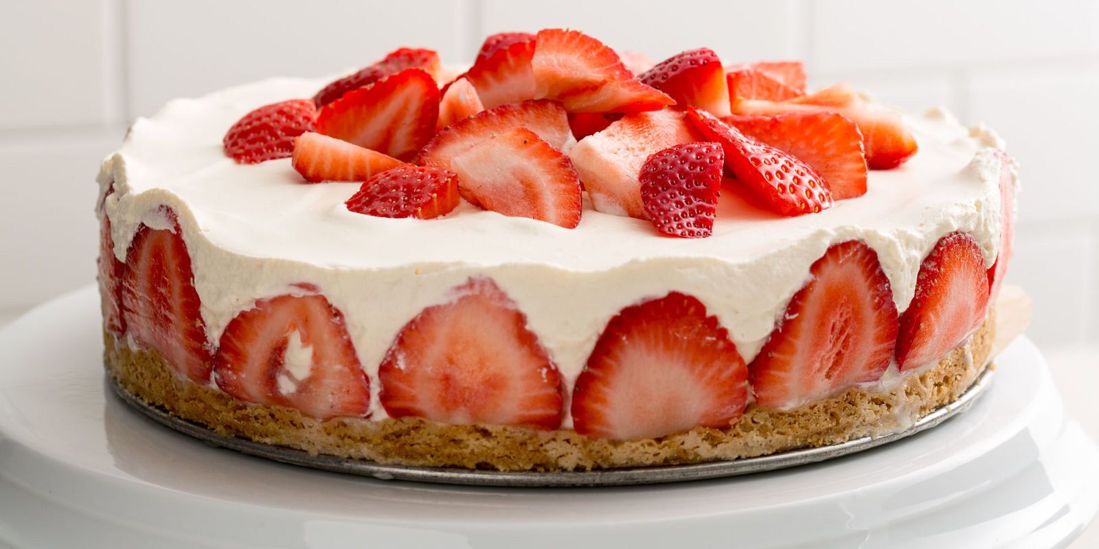 Strawberry Plain Yogurt Cake